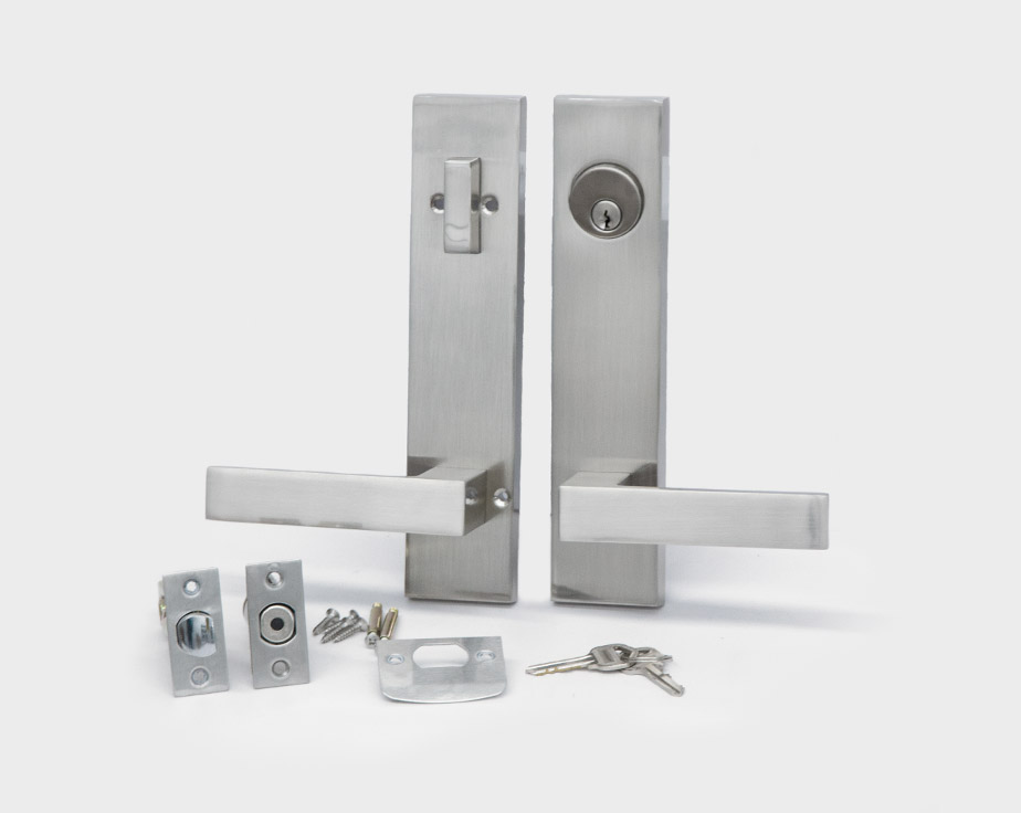 square-plate-square-lever-silver-right-entrance