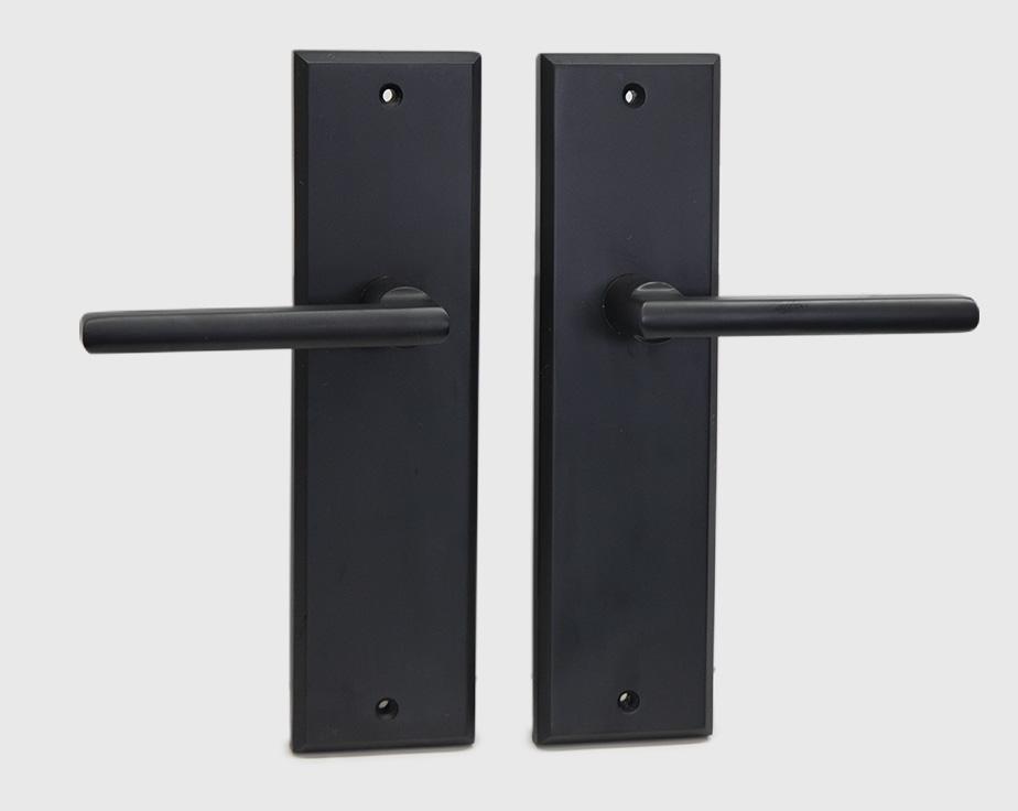 halifax-long-backplate-dummy-black