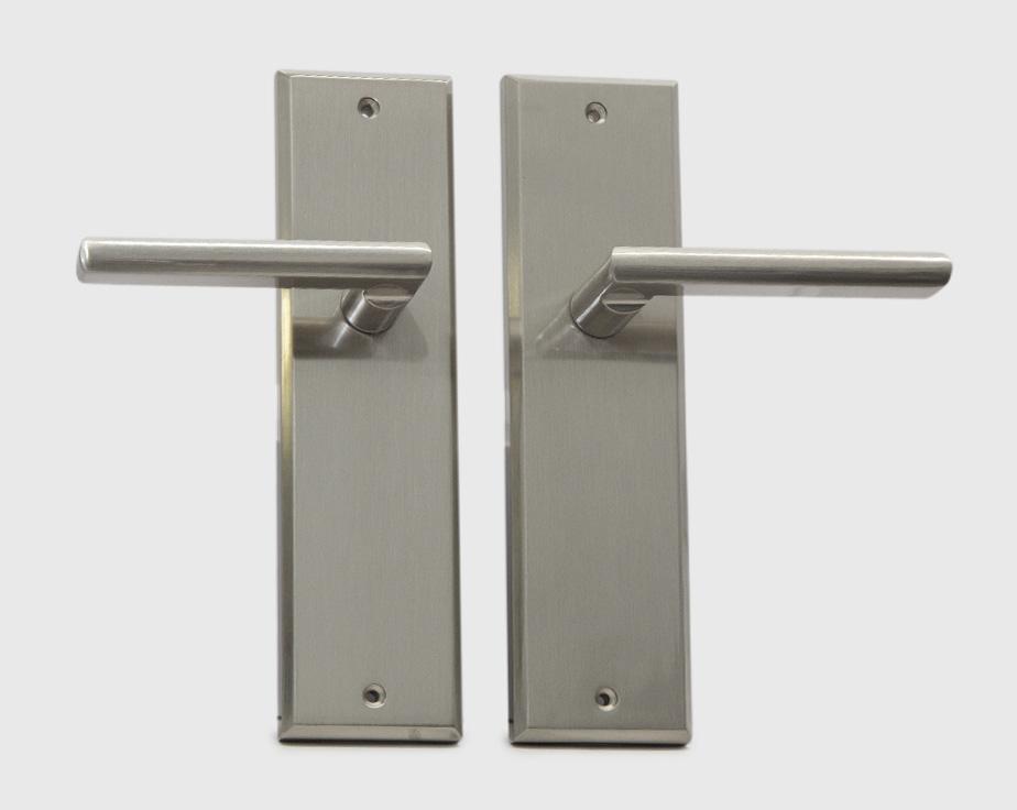 halifax-long-backplate-dummy-sn